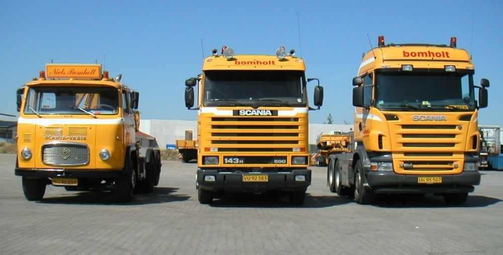 3 generationer Scania, på pladsen i Brabrand.