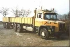 Scania 140 m. tib & kærre.